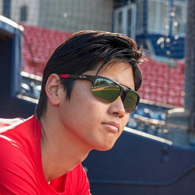【Oakley】大谷翔平聯名款 MERCENARY 亞洲版 PRIZM 舒適輕包覆太陽眼鏡 OO9424F 14 公司貨