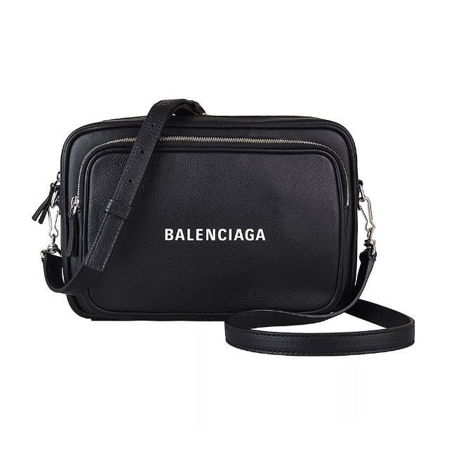 【Balenciaga 巴黎世家】BALENCIAGA 巴黎世家EVERYDAY白字LOGO牛皮拉鍊斜背相機包(黑)